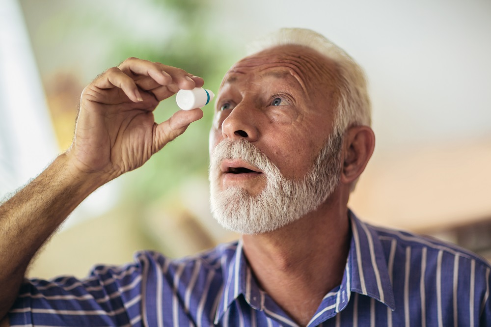 Dry Eyes Contacts & Treatments Tips